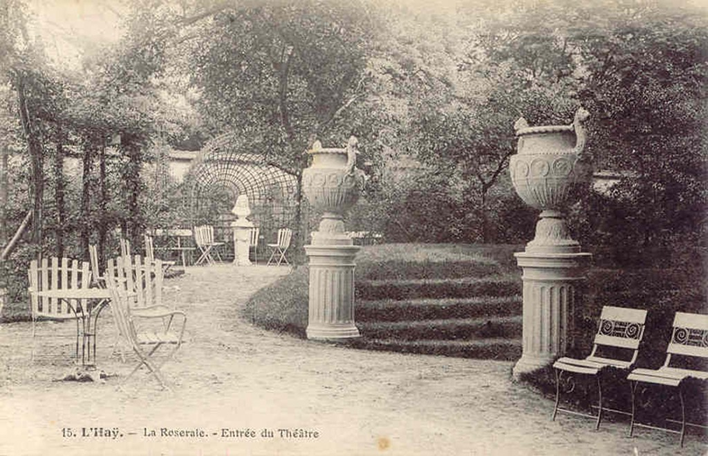 159-1 15 L'Hay - La Roseraie - Entree du theatre_wp